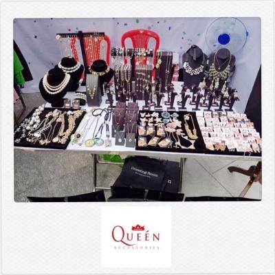 Queen Accessories (14)