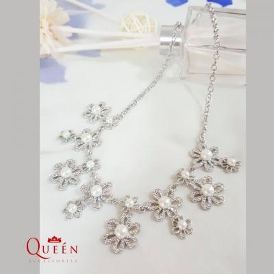 Queen Accessories (2)