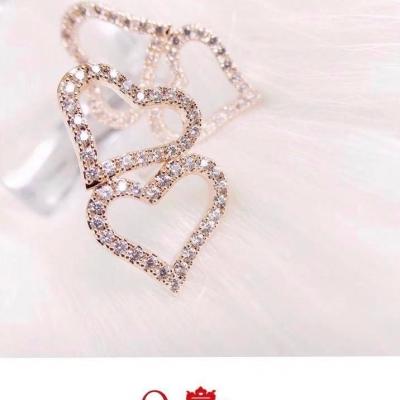 Queen Accessories (3)