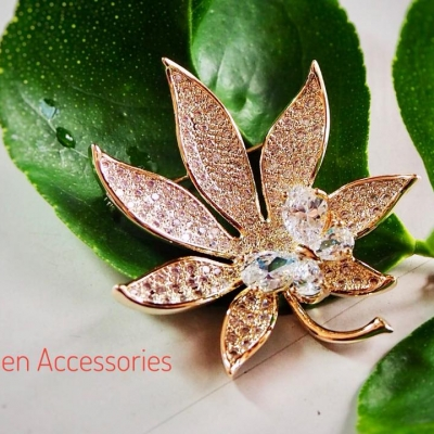 Queen Accessories (8)