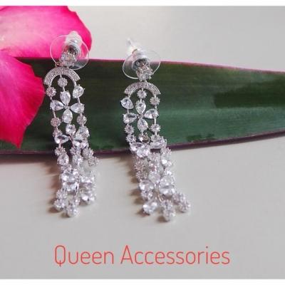 Queen Accessories (9)